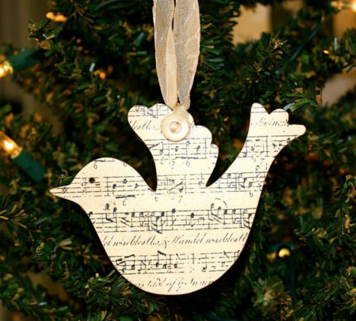 10 Beautiful Sheet Music Christmas Ornaments You Can Make ...