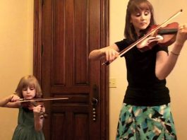 Mother and Daughter Play Bach Double Violin Concerto