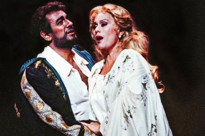 Placido Domingo with Kiri Te Kanawa in Otello