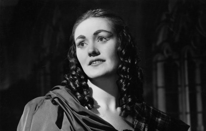 Joan Sutherland as Lucia ('Lucia di Lammermoor' by Donizetti) Royal Opera House Covent Garden London 1959 - Photo: vam.ac.uk