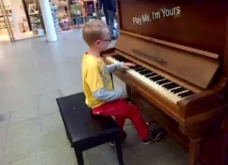 Piano Prodigy Plays Chopin