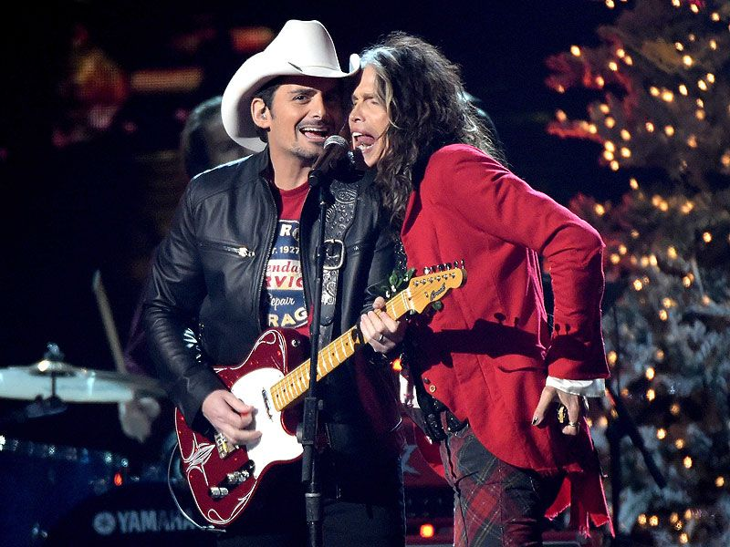 Brad Paisley and Steven Tyler RICK DIAMOND / GETTY