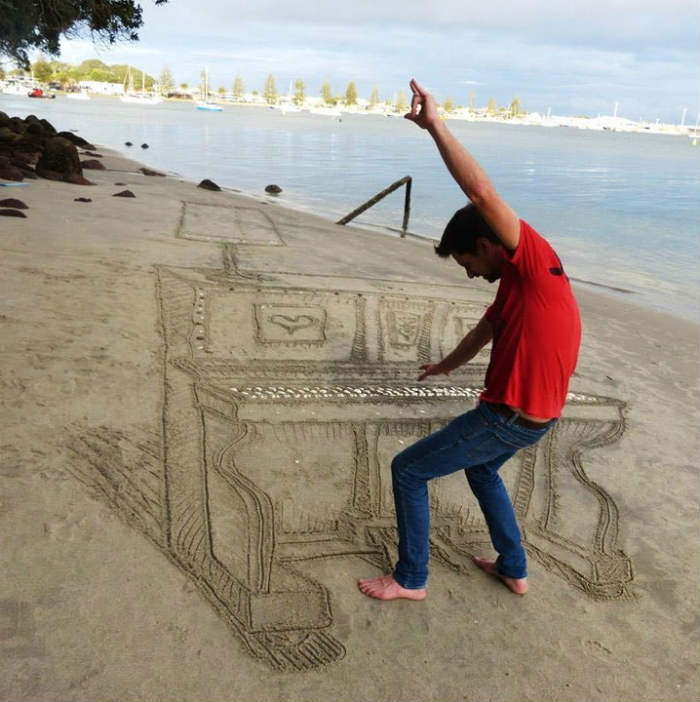 Jamie harkings 3d sand piano