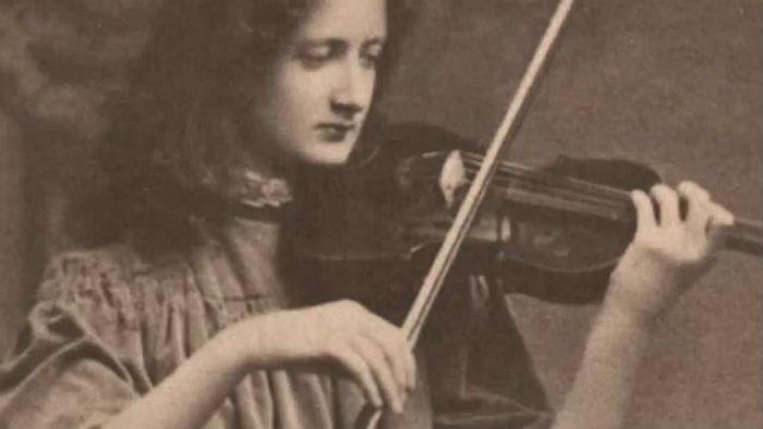Violinist Kathleen Parlow