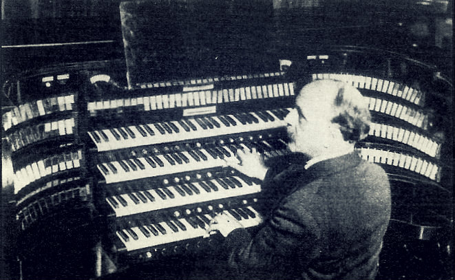 louis vierne at the organ