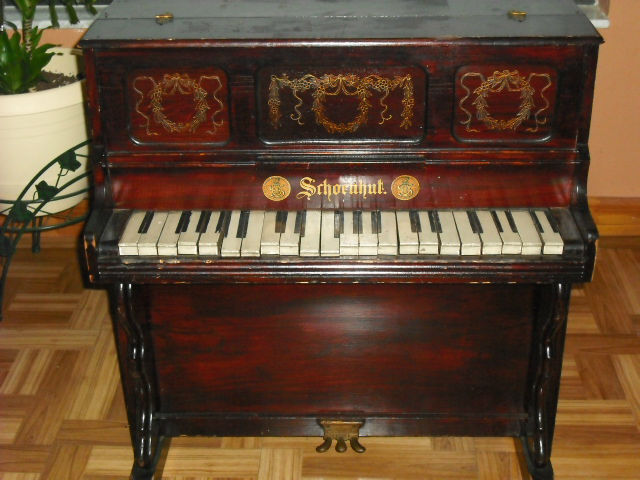history of toy pianos
