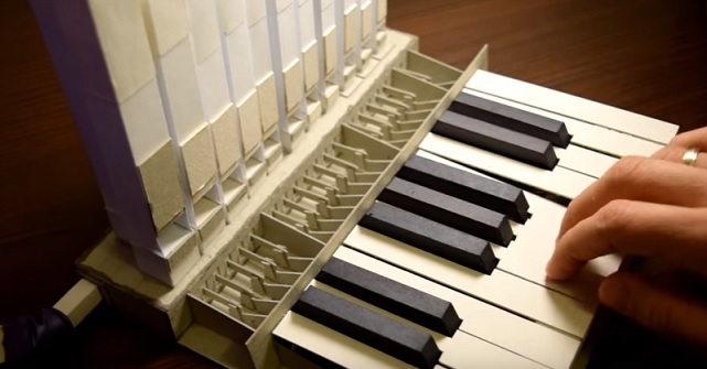 Tiny Pipe Organ