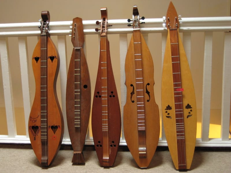 Dulcimer Definition, Information and History of Dulcimer Musical Instrument