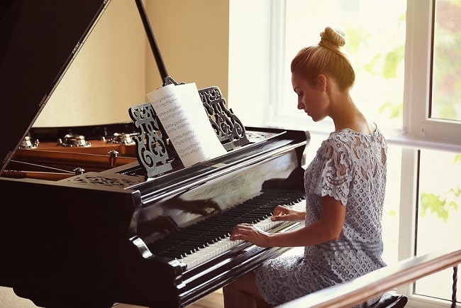 Can You Learn the Piano Without a Teacher?