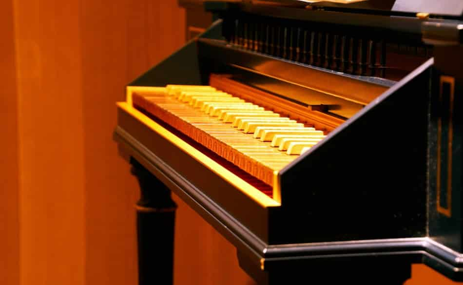 What is a Spinet Piano?