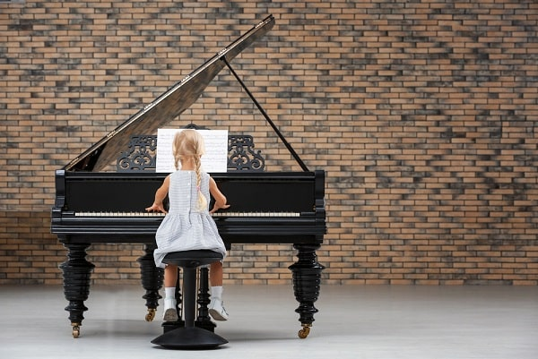 What Age is Best to Start Piano Lessons