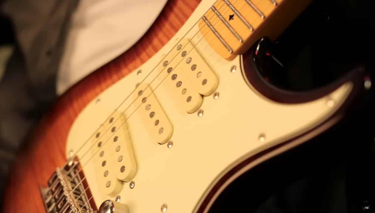 All About Dean Zelinsky Guitars