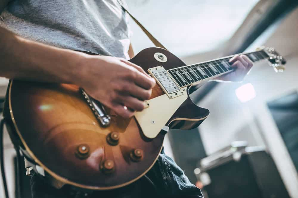 Learn Electric Guitar Lessons Online