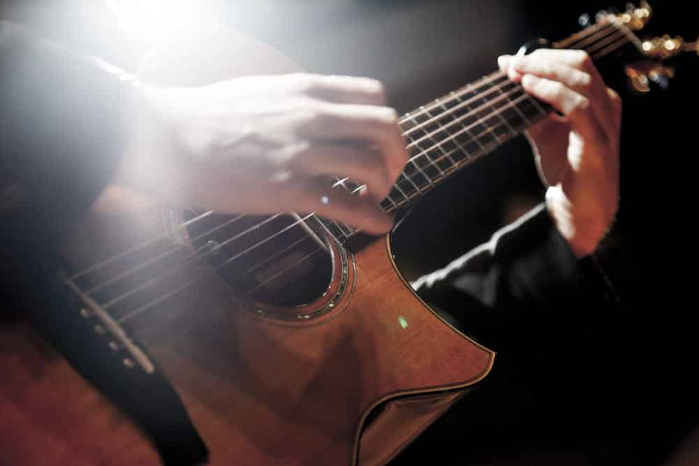 Learn Fingerstyle Guitar Lessons Online