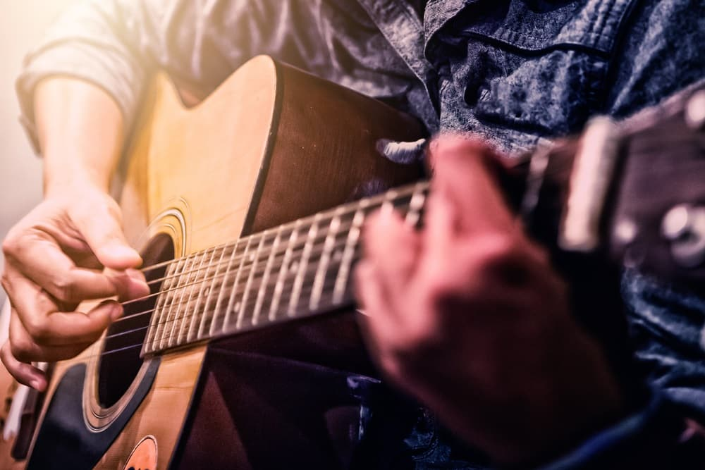 Best Ways To Learn Acoustic Guitar