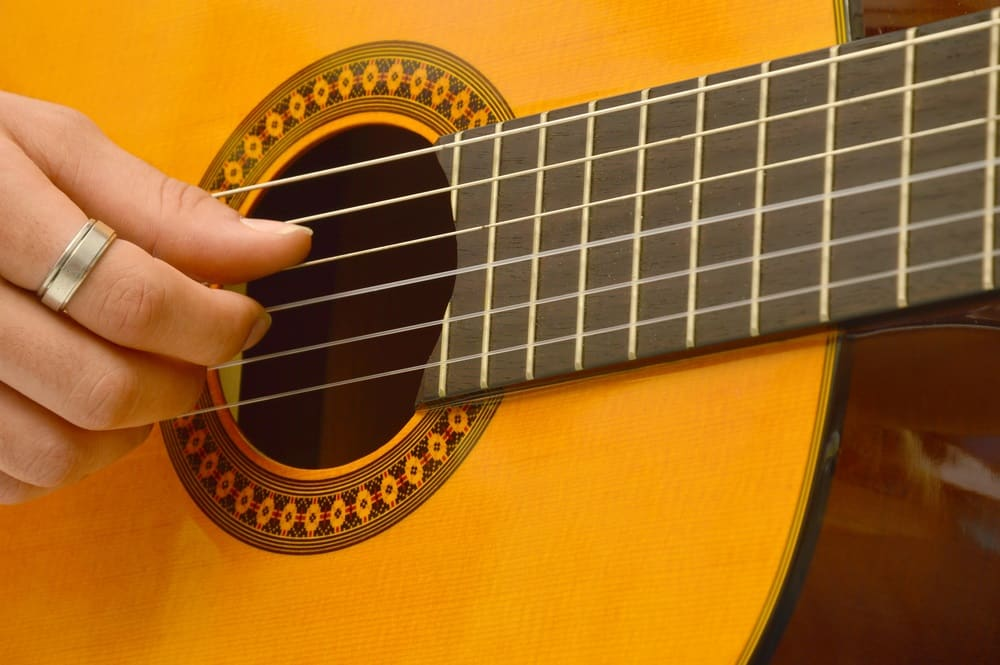 Best Ways To Learn Classical Guitar