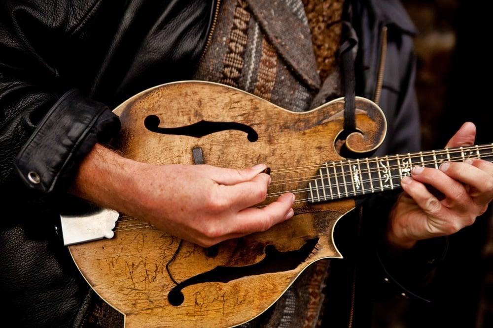 Best Ways To Learn Mandolin