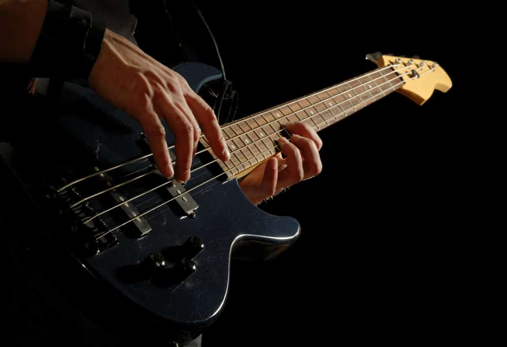 Best Ways to Learn Electric Bass Guitar
