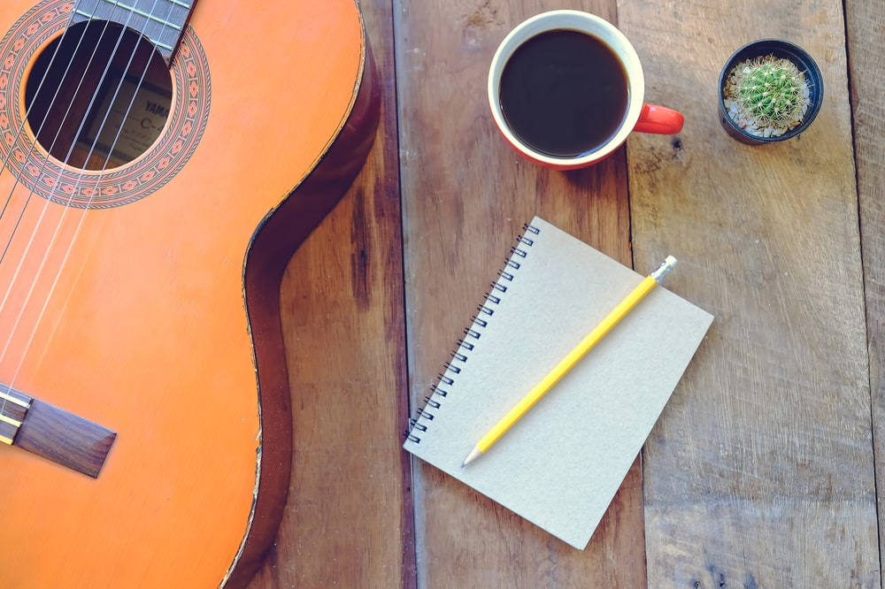 learn guitar songwriting lessons online