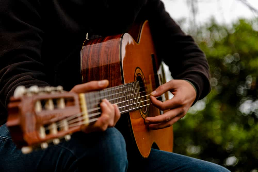 learn guitar sweep picking lessons online
