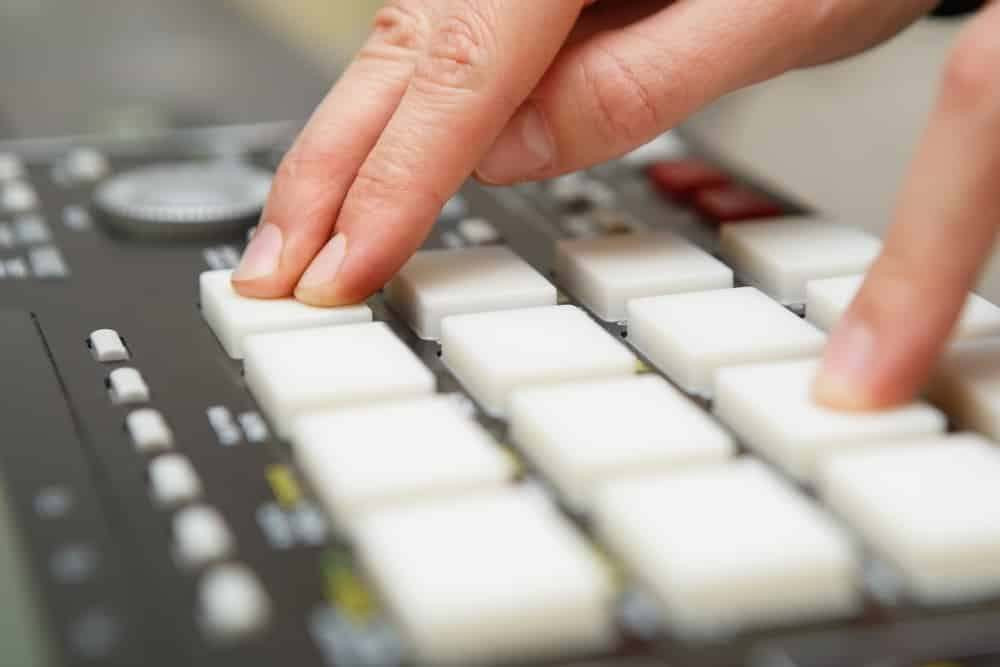 Best Ways To Learn Music Production and Beatmaking