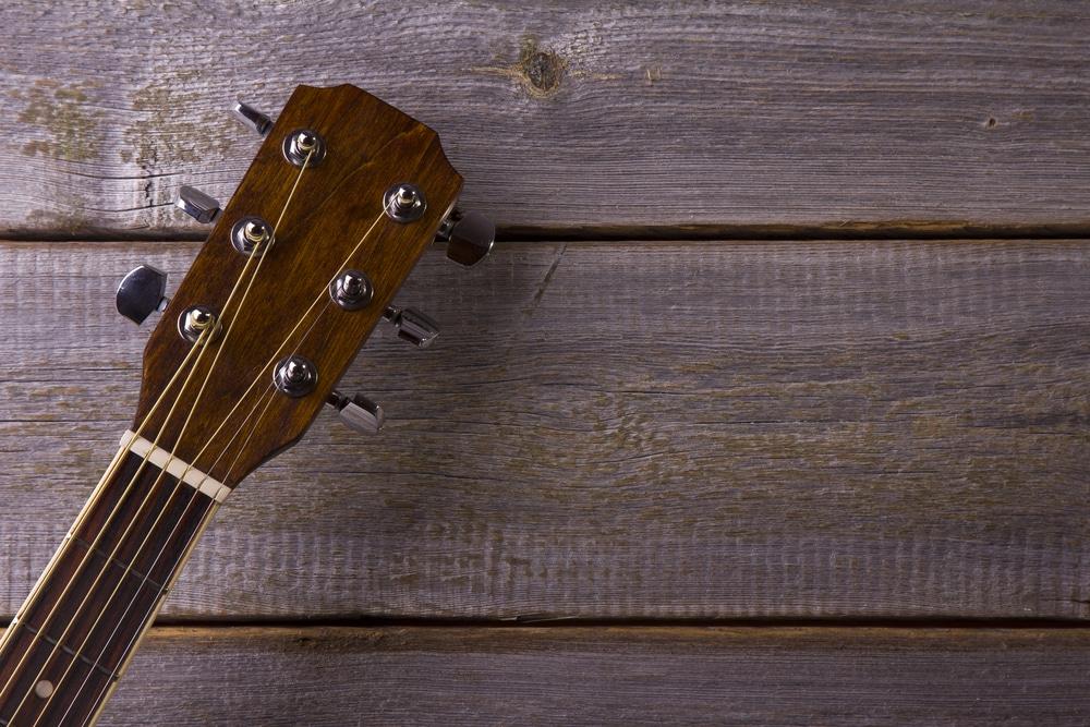 walnut vs mahogany acoustic guitar
